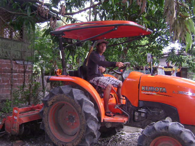 Four Wheel Tractor