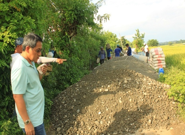 CONCRETING OF FARM TO MARKET ROAD AT BRGY. ESMERALDA ROAD (6)