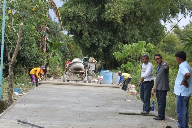 Concreting of Farm to Market Road at Brgy. Rajal (1)