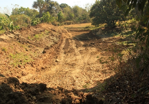 Dredging of Canal And Small Farm Reservoir (4)