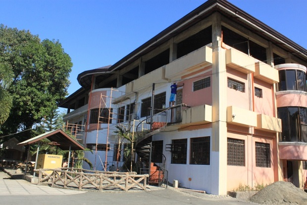 Re-Painting Of Municipal Building (4)