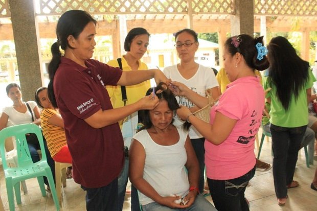 Skills Training on Reflexology and Cosmetology (2)