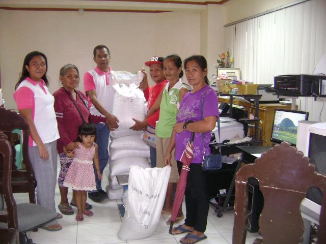 distribution-of-vegetable-seeds-under-agri-pinoy-high-value-crops-development-program-2